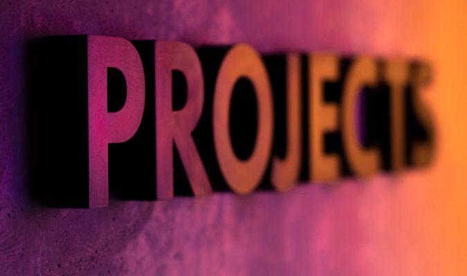 Fotografia con scritta Projects