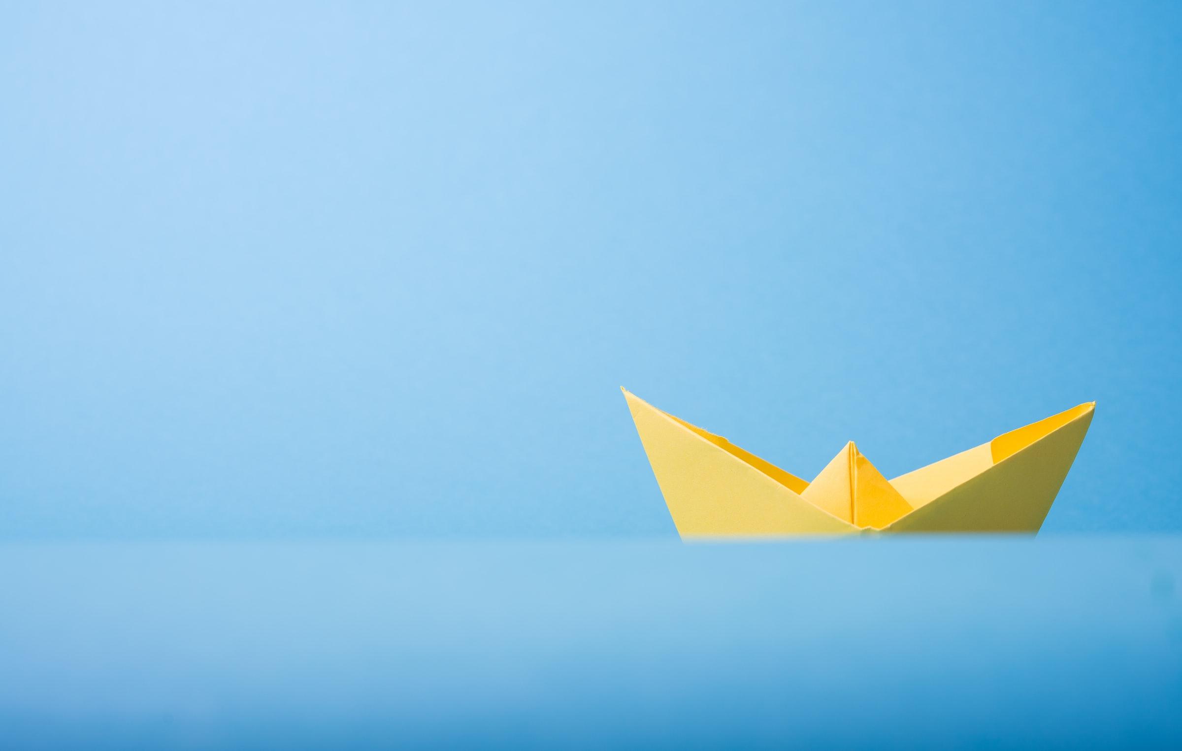 Fotografia di una barchetta origami